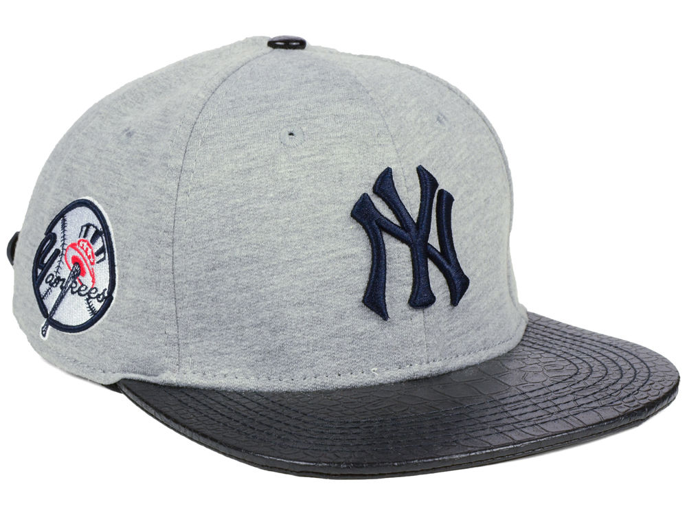 New York Yankees Pro Standard MLB Team Heather Strapback Cap  701ea0b126a