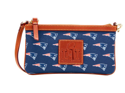 New England Patriots Dooney & Bourke Super Bowl LI Dooney & Bourke Champ Wristlet