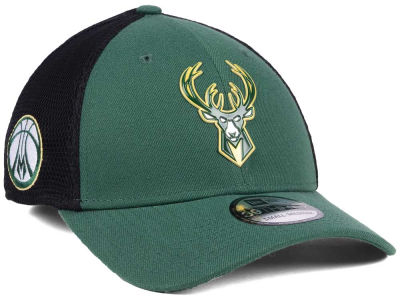 Milwaukee Bucks New Era 2017 NBA On Court 39THIRTY Cap