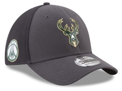 Milwaukee Bucks New Era 2017 NBA On Court Graph 39THIRTY Cap