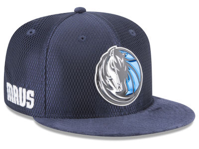 Dallas Mavericks New Era 2017 NBA On Court Reverse 9FIFTY Snapback Cap