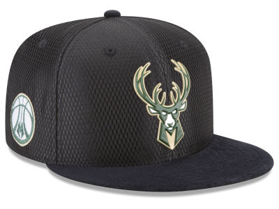 Milwaukee Bucks New Era 2017 NBA On Court Reverse 9FIFTY Snapback Cap