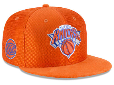New York Knicks New Era 2017 NBA On Court Reverse 9FIFTY Snapback Cap