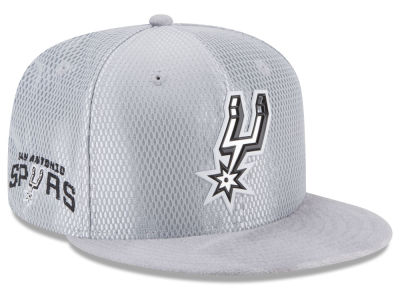 San Antonio Spurs New Era 2017 NBA On Court Reverse 9FIFTY Snapback Cap