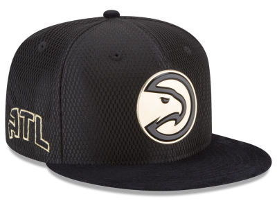 Atlanta Hawks New Era NBA On-Court Black Gold Collection 9FIFTY Snapback Cap