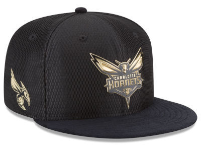 Charlotte Hornets New Era NBA On-Court Black Gold Collection 9FIFTY Snapback Cap