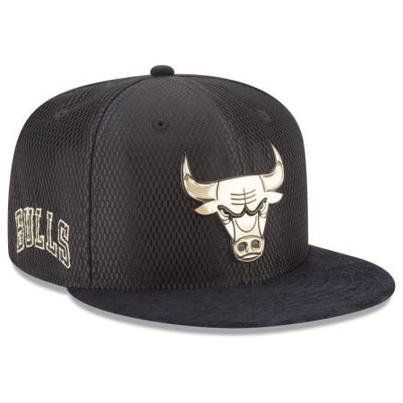 Chicago Bulls New Era NBA On-Court Black Gold Collection 9FIFTY Snapback Cap
