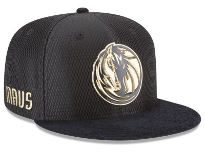 Dallas Mavericks New Era NBA On-Court Black Gold Collection 9FIFTY Snapback Cap