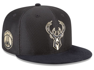 Milwaukee Bucks New Era NBA On-Court Black Gold Collection 9FIFTY Snapback Cap
