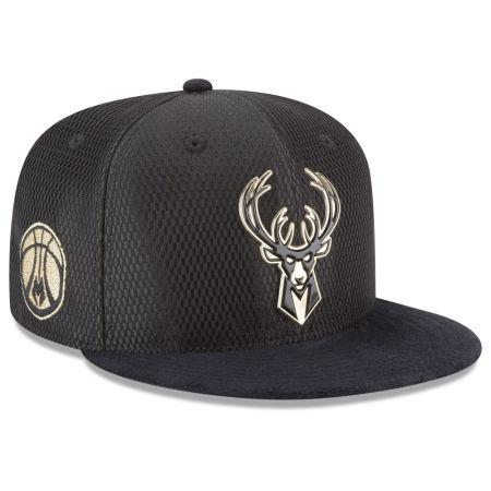 Milwaukee Bucks New Era NBA On-Court Black Gold Collection 9FIFTY Snapback Cap