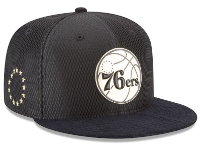 Philadelphia 76ers New Era NBA On-Court Black Gold Collection 9FIFTY Snapback Cap