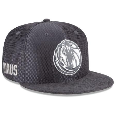 Dallas Mavericks New Era NBA On-Court Graphite Collection 9FIFTY Snapback Cap