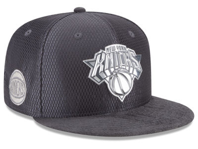 New York Knicks New Era NBA On-Court Graphite Collection 9FIFTY Snapback Cap