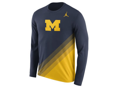 Michigan Wolverines Nike 2017 NCAA Men's Legend Sideline Long Sleeve T-Shirt