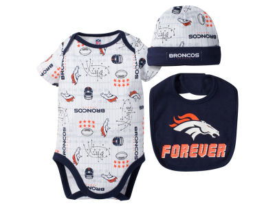Denver Broncos Gerber NFL Newborn 3 Pc Set Bodysuit-Bib-Cap
