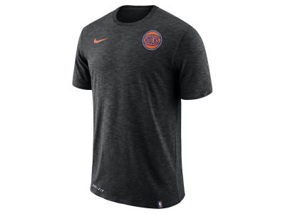 New York Knicks Nike NBA Men's Facility T-Shirt