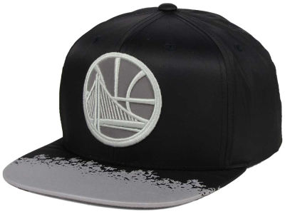 Golden State Warriors Mitchell & Ness NBA Reflective Lava Snapback Cap