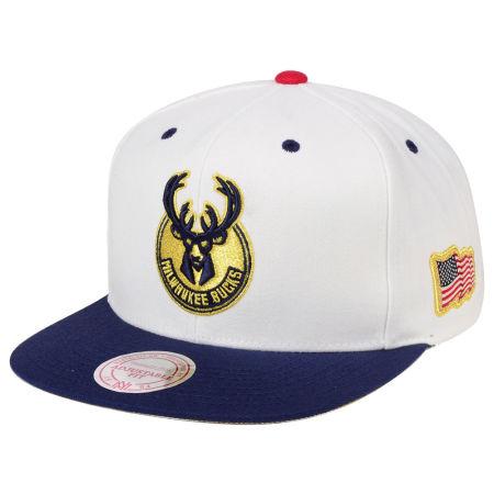 Milwaukee Bucks Mitchell & Ness NBA USA 2Tone 2.0 Snapback Cap