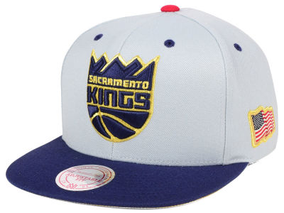 Sacramento Kings Mitchell & Ness NBA USA 2Tone 2.0 Snapback Cap