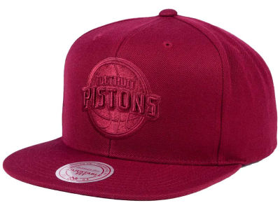 Detroit Pistons Mitchell & Ness NBA Hyper Colors Snapback Cap