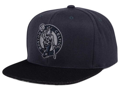 Boston Celtics Mitchell & Ness NBA Hologram Mesh Stop On A Dime Snapback Cap