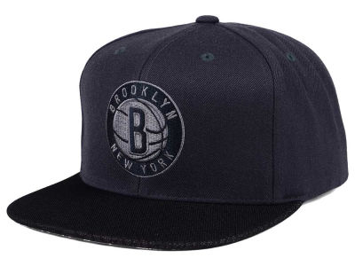 Brooklyn Nets Mitchell & Ness NBA Hologram Mesh Stop On A Dime Snapback Cap