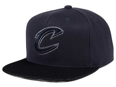 Cleveland Cavaliers Mitchell & Ness NBA Hologram Mesh Stop On A Dime Snapback Cap