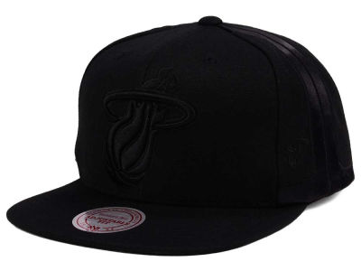 Miami Heat Mitchell & Ness NBA Tonal Short Hook Snapback Cap