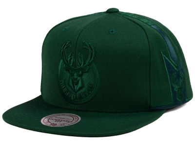 Milwaukee Bucks Mitchell & Ness NBA Tonal Short Hook Snapback Cap