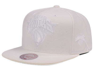 New York Knicks Mitchell & Ness NBA Tonal Short Hook Snapback Cap
