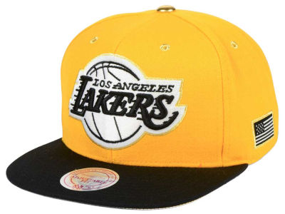 Los Angeles Lakers Mitchell & Ness NBA Gold Tip Snapback Cap