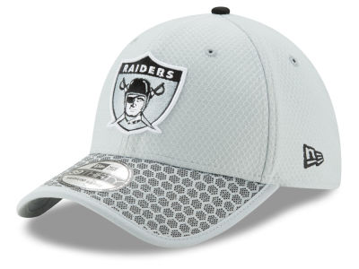 Oakland Raiders New Era 2017 Official NFL Sideline 39THIRTY Cap