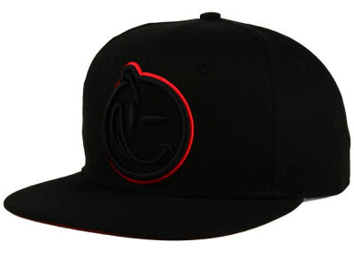 YUMS Hot Red Outline Snapback Cap