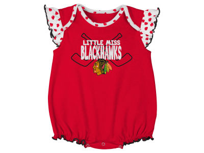 Chicago Blackhawks Outerstuff NHL Newborn Girls Hockey Hearts Creeper Set