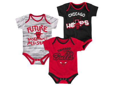 Chicago Bulls Outerstuff NBA Newborn 3 Piece Bodysuit Set