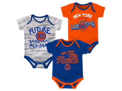 New York Knicks Outerstuff NBA Newborn 3 Piece Bodysuit Set