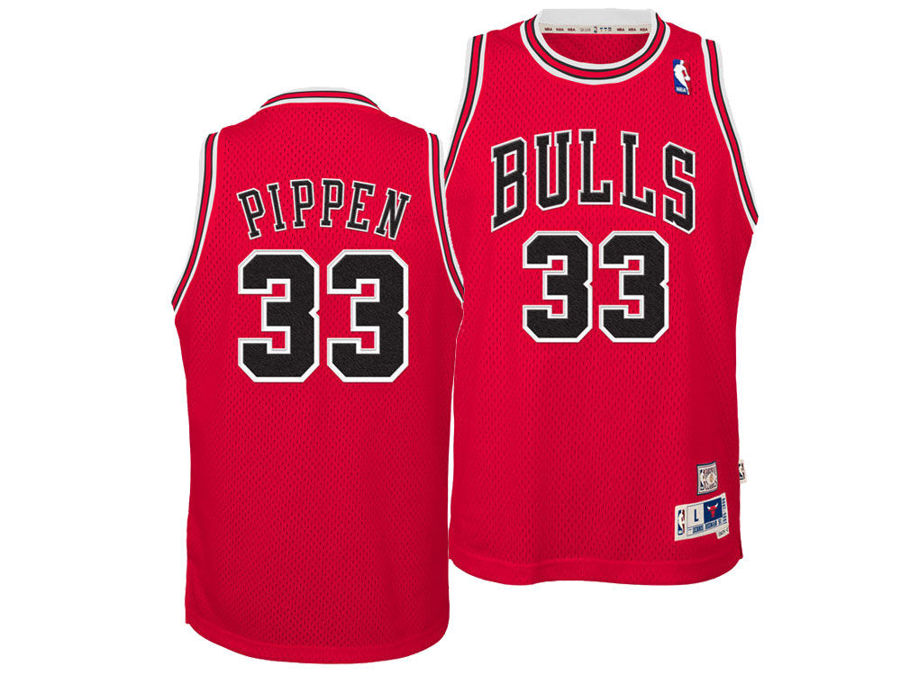 Chicago Bulls Scottie Pippen adidas NBA Youth Retired Player Swingman Jersey   0f0bb8ba3