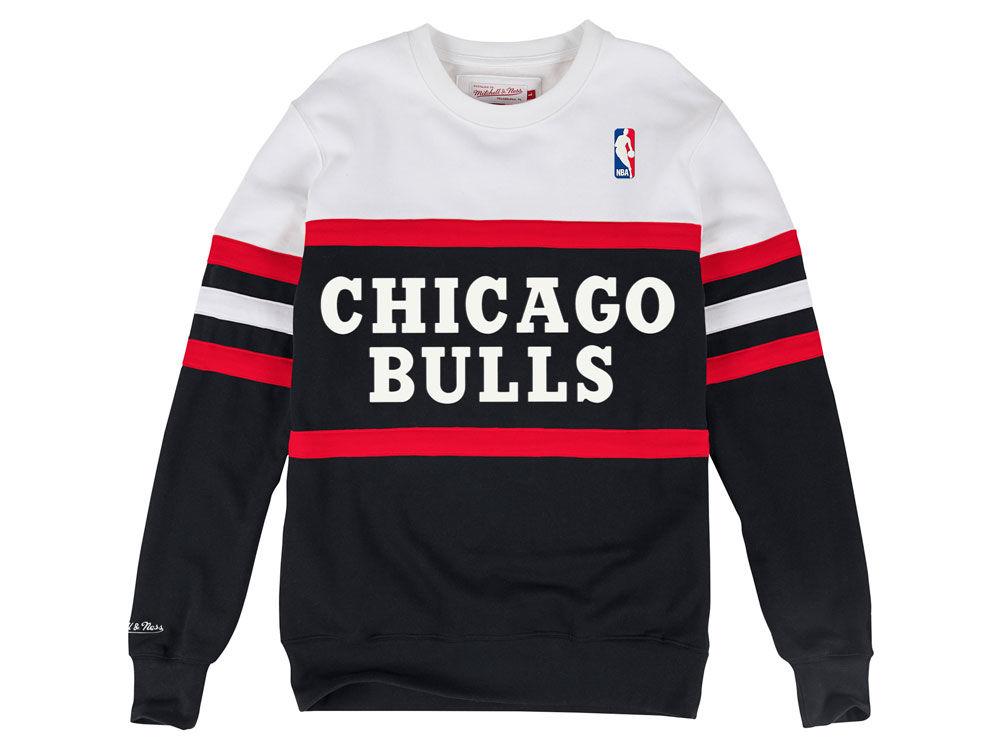 Chicago Bulls Mitchell   Ness NBA Men s Head Coach Crew Sweatshirt ... 4a58d111b448