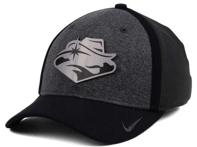 UNLV Runnin Rebels Nike NCAA Heather Stretch Fit Cap