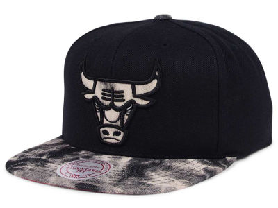 Chicago Bulls Mitchell & Ness NBA All Color Acid Wash Snapback Cap