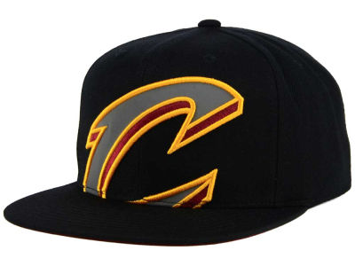 Cleveland Cavaliers Mitchell & Ness XL Reflective Cropped Snapback Cap