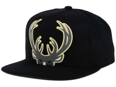 Milwaukee Bucks Mitchell & Ness XL Reflective Cropped Snapback Cap