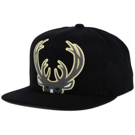 Milwaukee Bucks Mitchell & Ness XL Reflective Cropped Snapback Cap