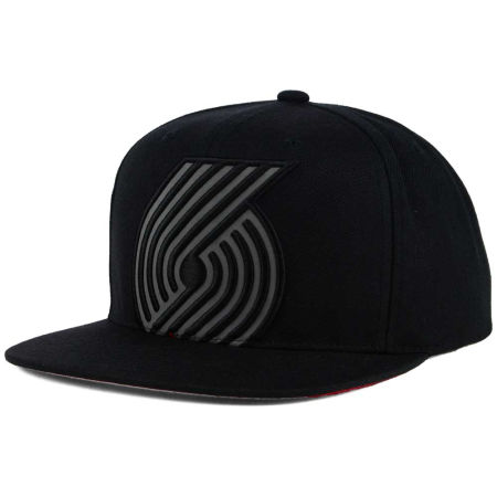Portland Trail Blazers Mitchell & Ness XL Reflective Cropped Snapback Cap