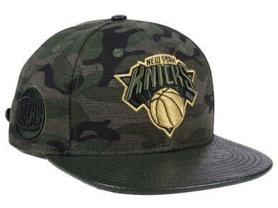 New York Knicks Pro Standard NBA Camo Gold Strapback Cap