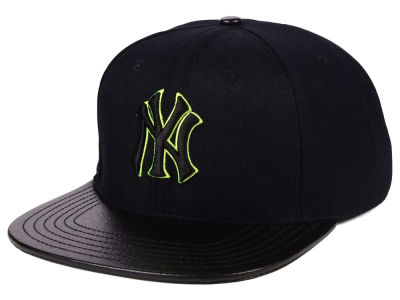 New York Yankees Pro Standard MLB Black Volt Strapback Cap