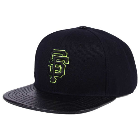 San Francisco Giants Pro Standard MLB Black Volt Strapback Cap