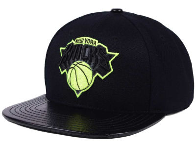 New York Knicks Pro Standard NBA Black Volt Strapback Cap