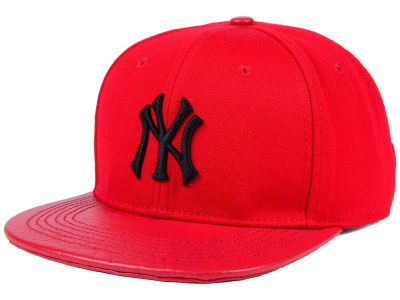 New York Yankees Pro Standard MLB Custom Strapback Cap