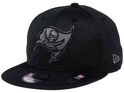Tampa Bay Buccaneers NFL Shadow Black Graph 9FIFTY Snapback Cap